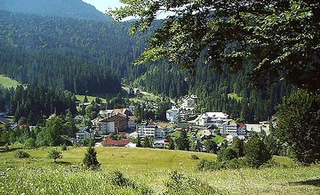 Statiunea Durau – un loc de unde incep drumetiile pe munte